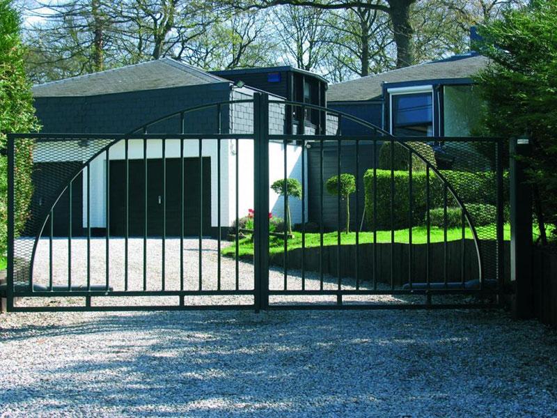 bahçe kapısı, dairesel kapı motoru, dairesel açılan kapı, dairesel açılan otomatik kapı, otomatik kapı, otomatik kapı motoru, ferforje kapı motoru,bahçe kapıları